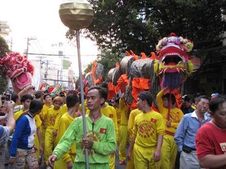 Bustling_Saigon